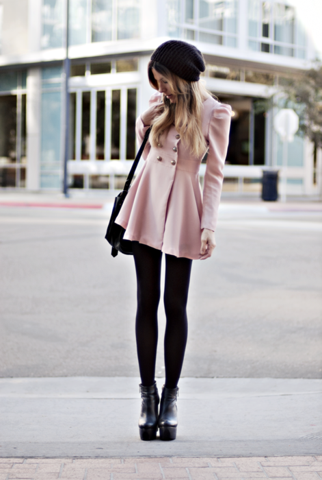 Cute coat, but could her legs be any longer.  I do not thinks she doesn't need those 3 inch boots.