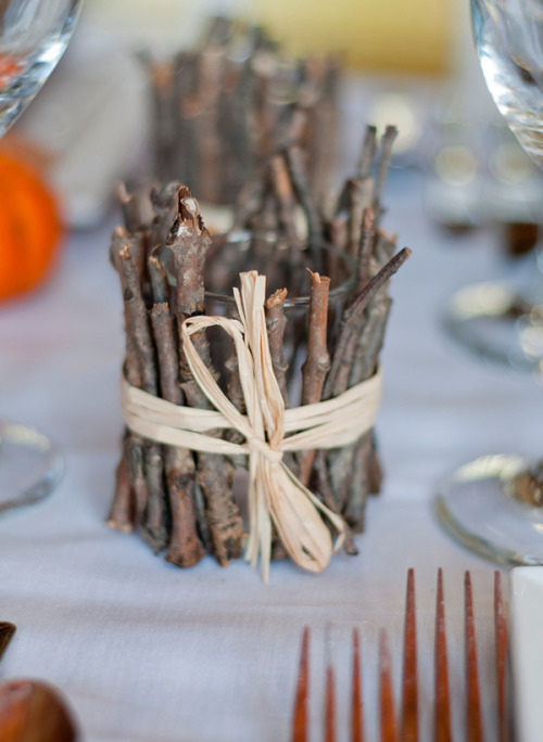 (via DIY – Rustic Votives)