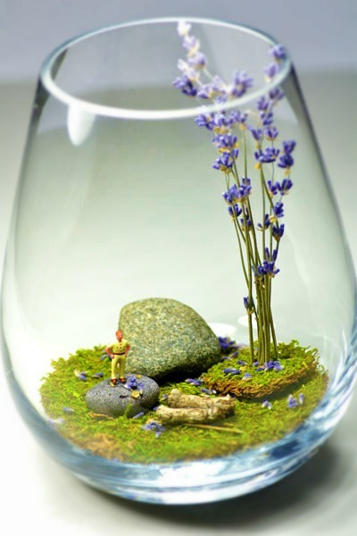 (via How to Make a Terrarium for Your Wedding | Intimate Weddings - Small Wedding Blog - DIY Wedding Ideas for Small and Intimate Weddings - Real Small Weddings)