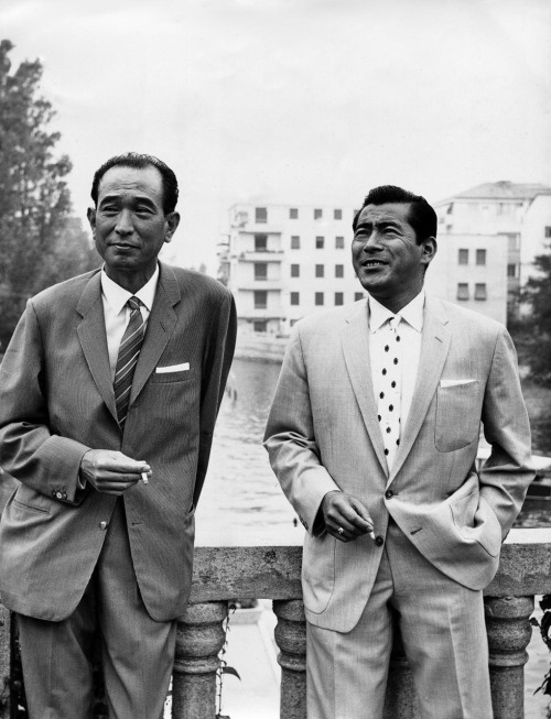Akira Kurosawa and Toshiro Mifune Take A Smoke Break | via criterioncorner