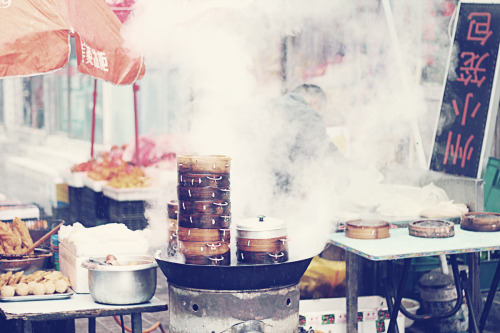 Beijing food stalls serve up steamy dumpling breakfast
