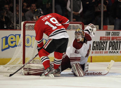 Monday @ United Center Chicago vs Phoenix  L- 4-3 (SO) Tazer with two goals, and Kaner's goal to tie only to lose in a shoot out, hey at least we got a point