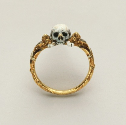 Memento mori skull ring, around 1600-1625.