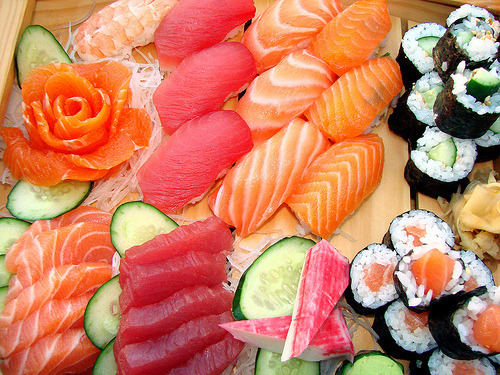 ohmyasian:  (via kimmismiles)2061. Sushi & Sashimi. You know you want some of thissss.   Hungry mmmm