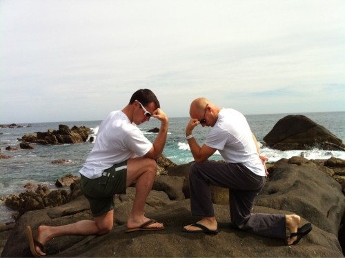 Yankee Mark Teixeira and PGA Pro Ben Crane Tebowing in Cabo! (via Twitter @bencranegolf)