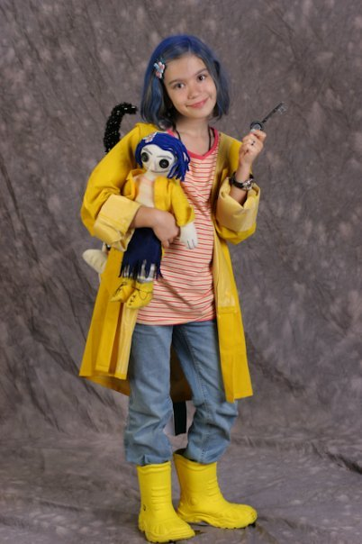 my daughter as coraline, from dragon*con 2009
