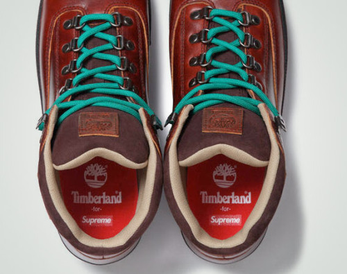 Timberland for Supreme  Available in purple, dark brown, golden brown and black. December 8th, 2011 (Thursday) – NYC, LA, London, & Online December 10th, 2011 (Saturday) – Japan