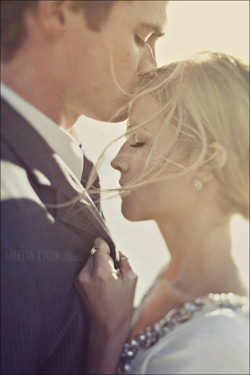 sayidotohappilyeverafter:  (via Engagement Picture Ideas <3 / Adorable)