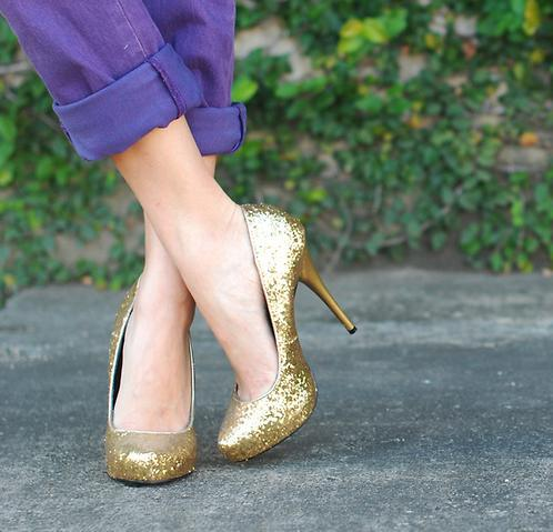 I've been trying to track down a pair of glitter pumps like this for ages. Finally found a nude pair at London Rebel only to discover that the sizing was a little dodgy - the size 35 was toe-crushingly tight whilst the size 36 was too loose to the point where my heel slipped out whenever I took a step. Oh well, the hunt for the perfect pair continues…