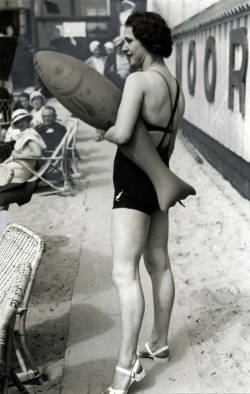 so30s:  Beach fashion, 1933