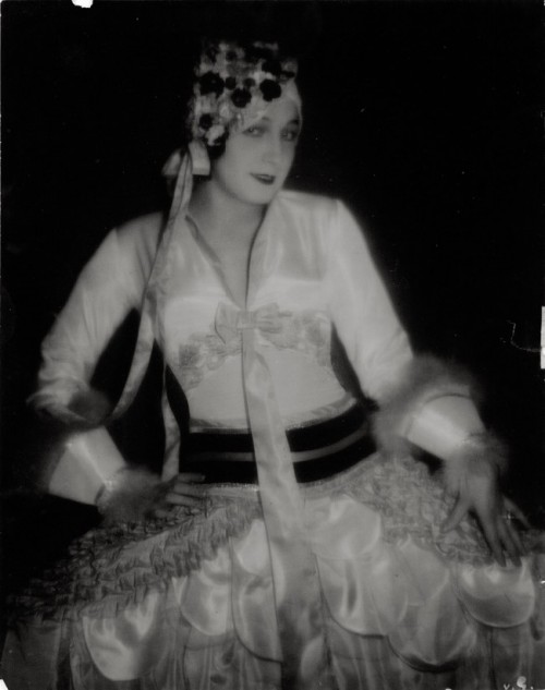 Baron Wolff von Gudenberg, Portrait of an unidentified dancer. Early 1930s
