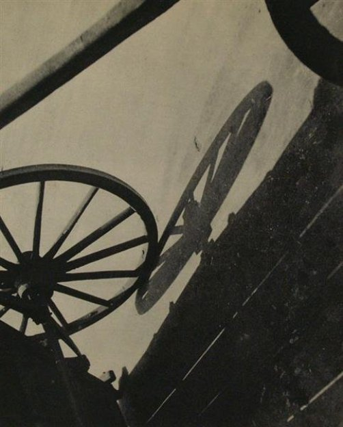 regardintemporel:  André Kertész - Wheel, 1931