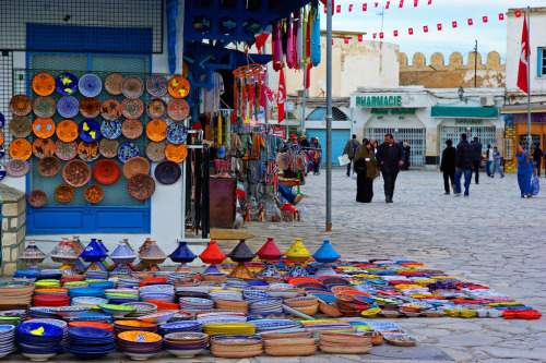 e-xplore:  Colors in the old town of Sousse, Tunisia