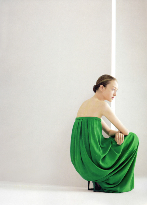 bienenkiste:  Johanna Stickland by Willy Vanderperre for Jil Sander S/S 2007