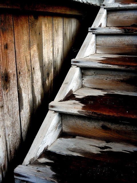 Wood stairs by Cecilia89 on Flickr.