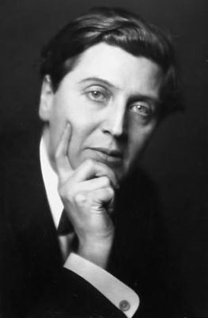 vvaldeinsamkeit:  whoa, Alban! looking fine