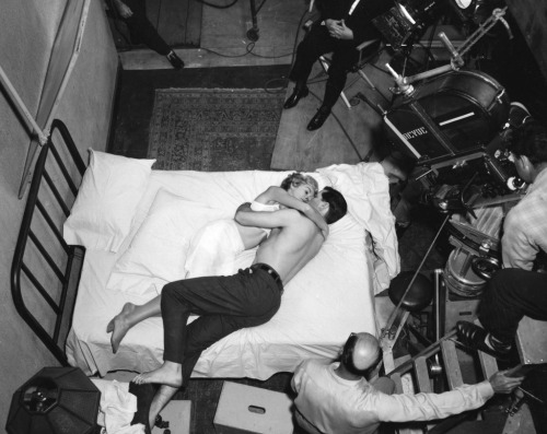 strangewood:  On the set of Psycho