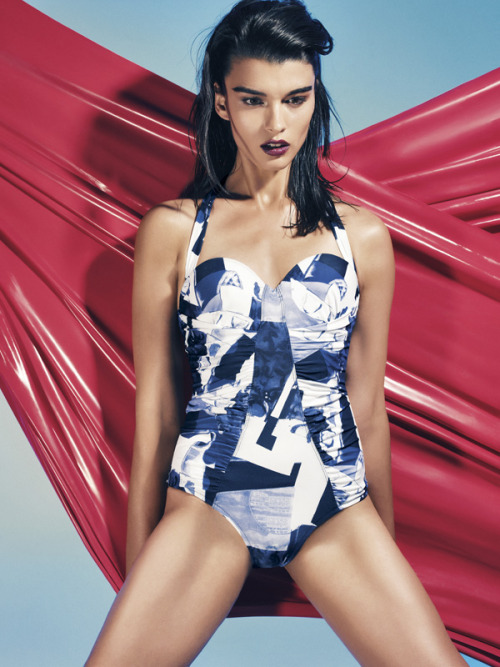 Open Secret: Crystal Renn in BG Magazine.