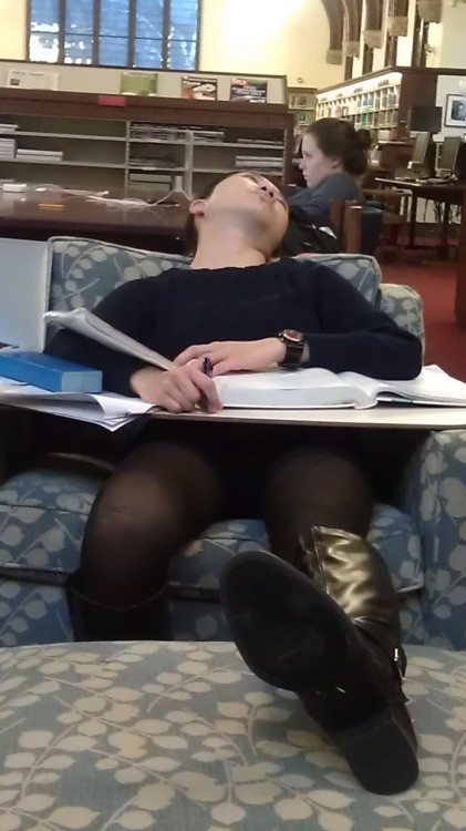 asianssleepinginthelibrary:  Mount Holyoke College