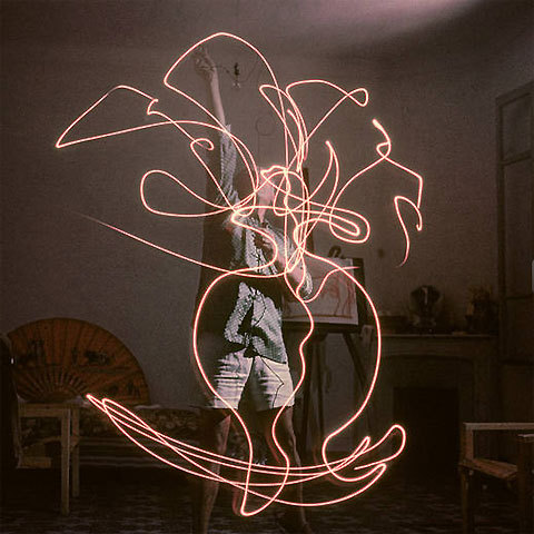 Amazing photos of Picasso drawing with light.