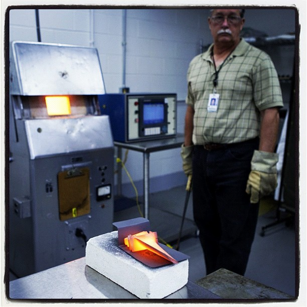 Senior #GE #Aviation staff specialist Bill Davis tests the durability of a turbine blade at a temperature of more than 2000 degrees F. #technology #manufacturing (Taken with instagram)
