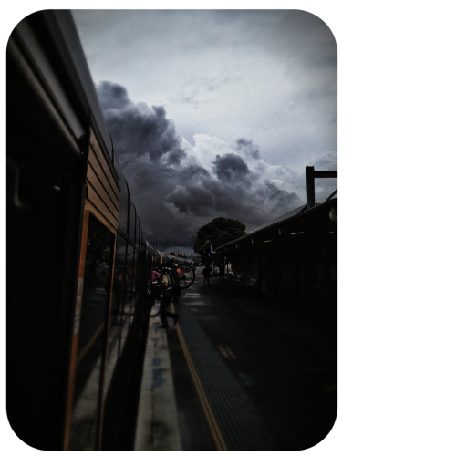 Scrambling for the train before the sky opens up #trainview #trainstation #commute #stormclouds #iPhone4S #fotografiaunited #bepopular #bepop #fu #fu_oz #choedig #instagramaddict #rebelaww  #instagramhub #all_shots #iphoneonly #PrestigeClass #sydig #sydney #sydneycommunity #iphoneography