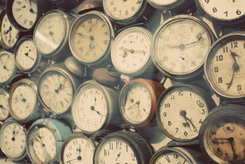 So cool!!! mykindafairytalee:  clocks by kaitlyn sullivan on Flickr.