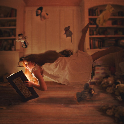 The Wonder of Reading by Carolyn Hampton on Flickr.