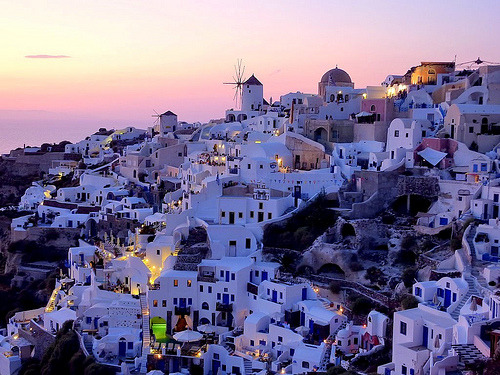 Greece : A view on Oia, Santorini (Greece) (by frans.sellies )