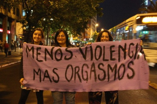 "November 25, Feminist March in Santiago ""Less violence More orgasms"" Source/Fuente"