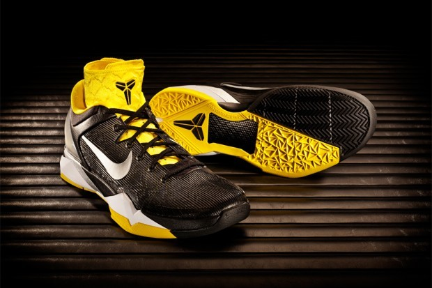 "Nike Zoom Kobe VII System Supreme  With NBA action set for Christmas Day, signature shoes for the NBA's  elite, as well as for the everyday ballplayer are slowly but surely  being rolled out. Launching December 22, the Nike Kobe VII System  Supreme is a performance system allowing players to customize the shoe,  switching ankle support and midfoot cushioning based on their style of  play, whether that's one that relies on speed or power. Predator  patterns come to life in the cast polyurethane outer shell as a ""skin,""  simulating the look of three predator patterns mixed together – the  leopard, great white shark and black mamba. Finally, NIKEiD will bring  full customization to the Kobe VII System this year. These predatory  kicks will retail at $140 USD for the standard system and $180 USD for  the system supreme.  (vía Hypebeast)"