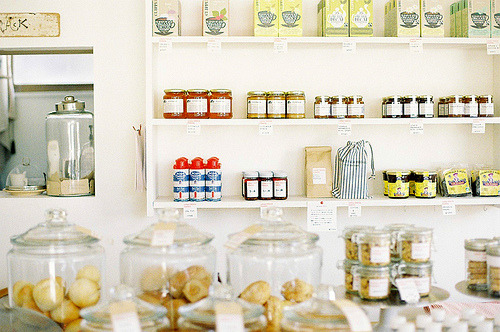 dryumbrellas:  Delicatessen (by hugxhug)