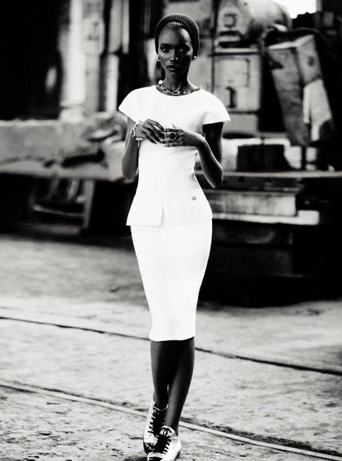 lovebagsandbows:  Herieth Paul by Max Abadian for Dress to Kill Magazine Winter 2011  Her skin is incredibly smooth and beautiful…like sculpture.