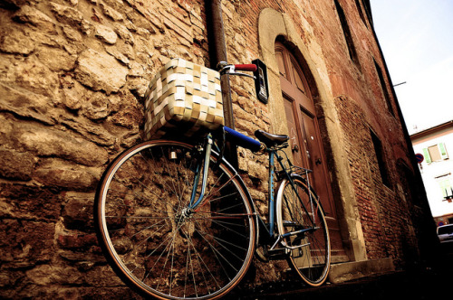 bike in pisa | Nikon D90 on Flickr.