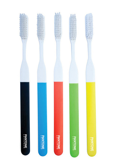 Pantone Toothbrush Set (via kikkerland)