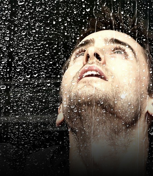 It's like a domino effect…Jared Leto gets wet, which causes me to…well, you see the pattern here.  ;*