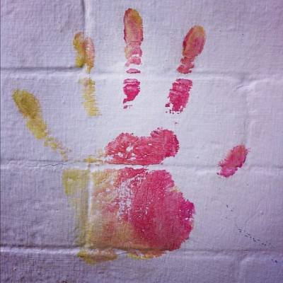 #hand #graffiti #orange #red #yellow #streetart #charleston #neighborhoodgraffiti (Taken with instagram)
