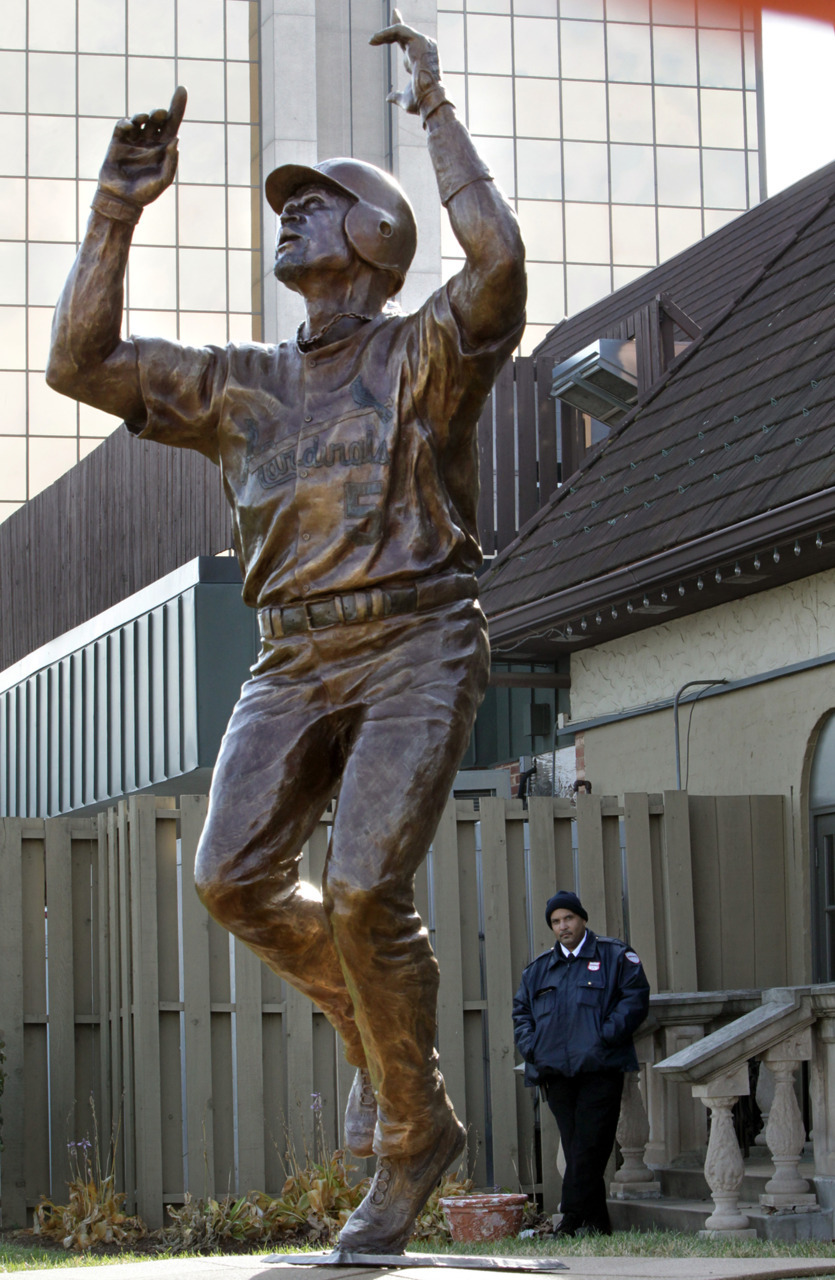 Security guards were stationed at the Albert Pujols statue outside the Pujols5 Westport Grill after news began to spread about Pujols will sign with the Angels. (Photo by Robert Cohen / rcohen@post-dispatch.com)