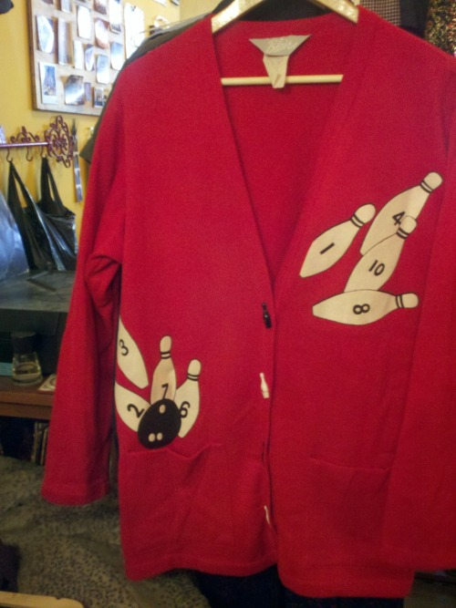 Yes, the buttons are bowling pins!