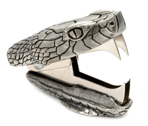 "How badass is this ""Snake Bite"" staple remover?! WANT badly! #santahookitup #upyourstylegame   (via Cool Hunting – photo Jac Zagoory Design)"