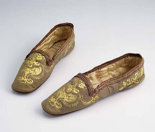 Men's slippers, ca 1820's-50's, Museum of Welsh Life