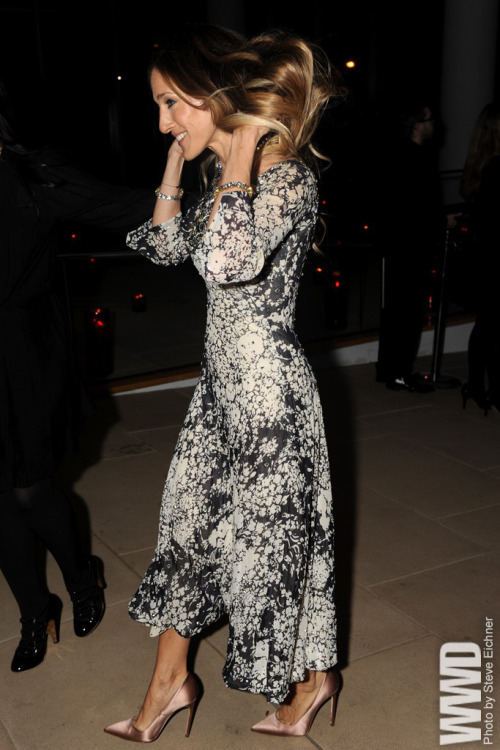 womensweardaily:  Sarah Jessica Parker  at the launch party for Valentino's virtual museum