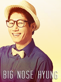 Running Man member and ex.memberThere's a lot of MC Yoo photos, but I always ended looking at those photo. It suit him lol