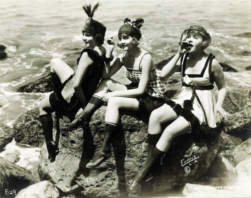 Mack Sennett bathing beauties: Virginia Warwick, Harriet Hammond, Phyllis Haver (1918)