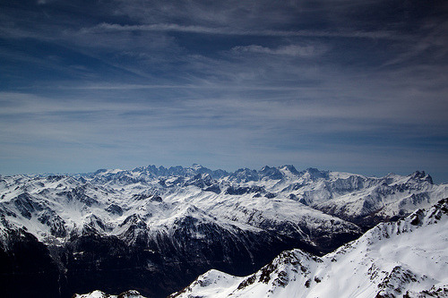 just-breezy:  Les Alpes  (by jmangless)