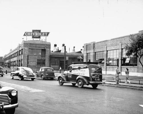 William Vandivert, The exterior of the Chevrolet Gear and Axle plant, Detroit, Michigan, USA, 1942.