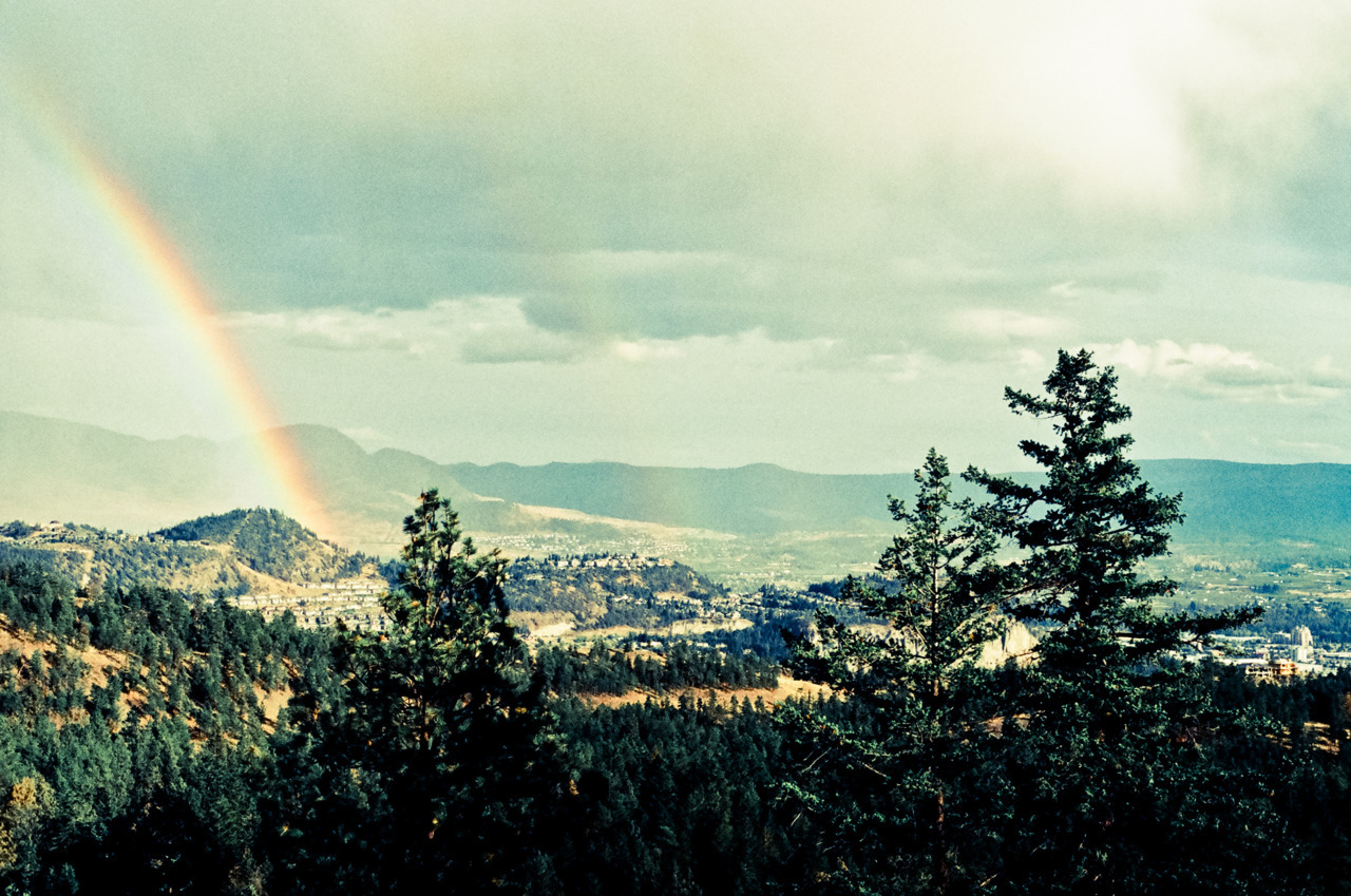 man-and-camera:  Rainbow from Knox Mountain