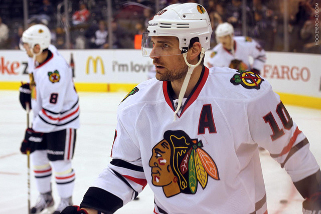 hockeybroad:  Always seem to manage to get good pics of Patrick Sharp. 11/26/11 at Staples Center  A bad pic of Sharpy?? INCONCEIVABLE!!!