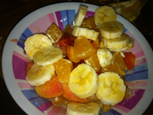 10/12/11 Breakfast, one banana, one orange, & a nectarine. Drizzled with some agave nectar.