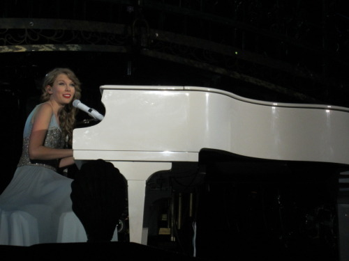 HURRRR, I CAN HERP ON DA PIANO U GUISE.